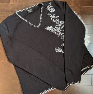 4/20$ Black vneck with floral embroidery